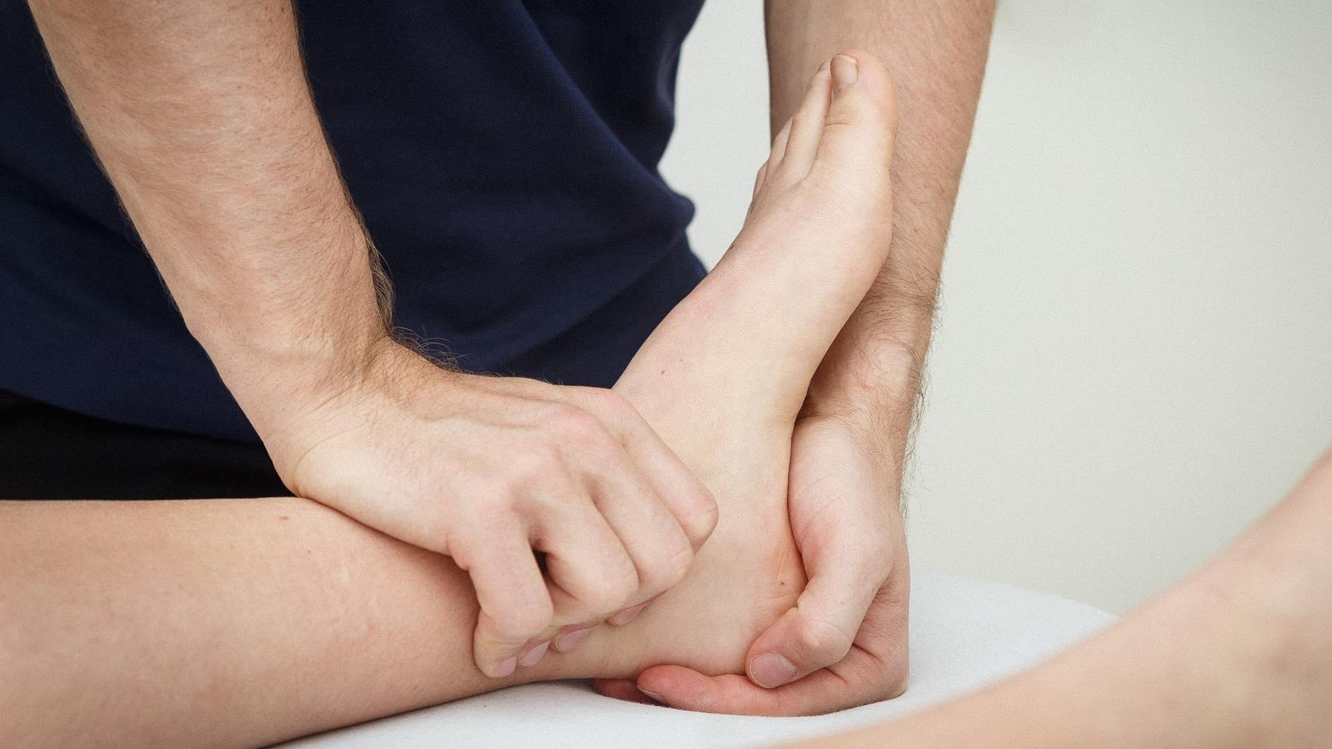 svangsenebetændelse, ondt i hælen under foden, smerter i forfoden