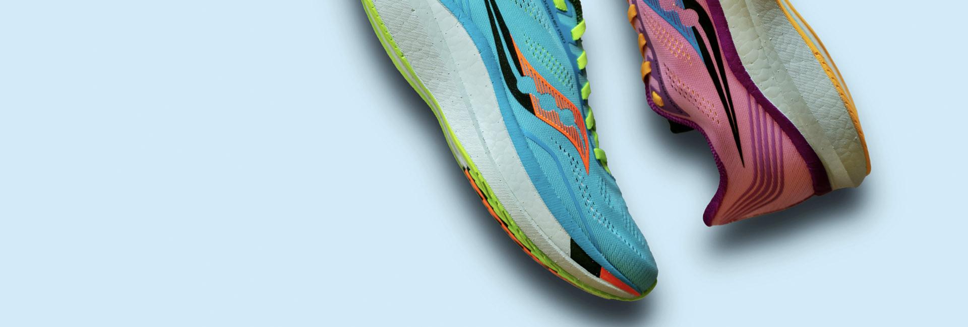 Shop løbesko og løbetøj online til dame og herre. Fri fragt.