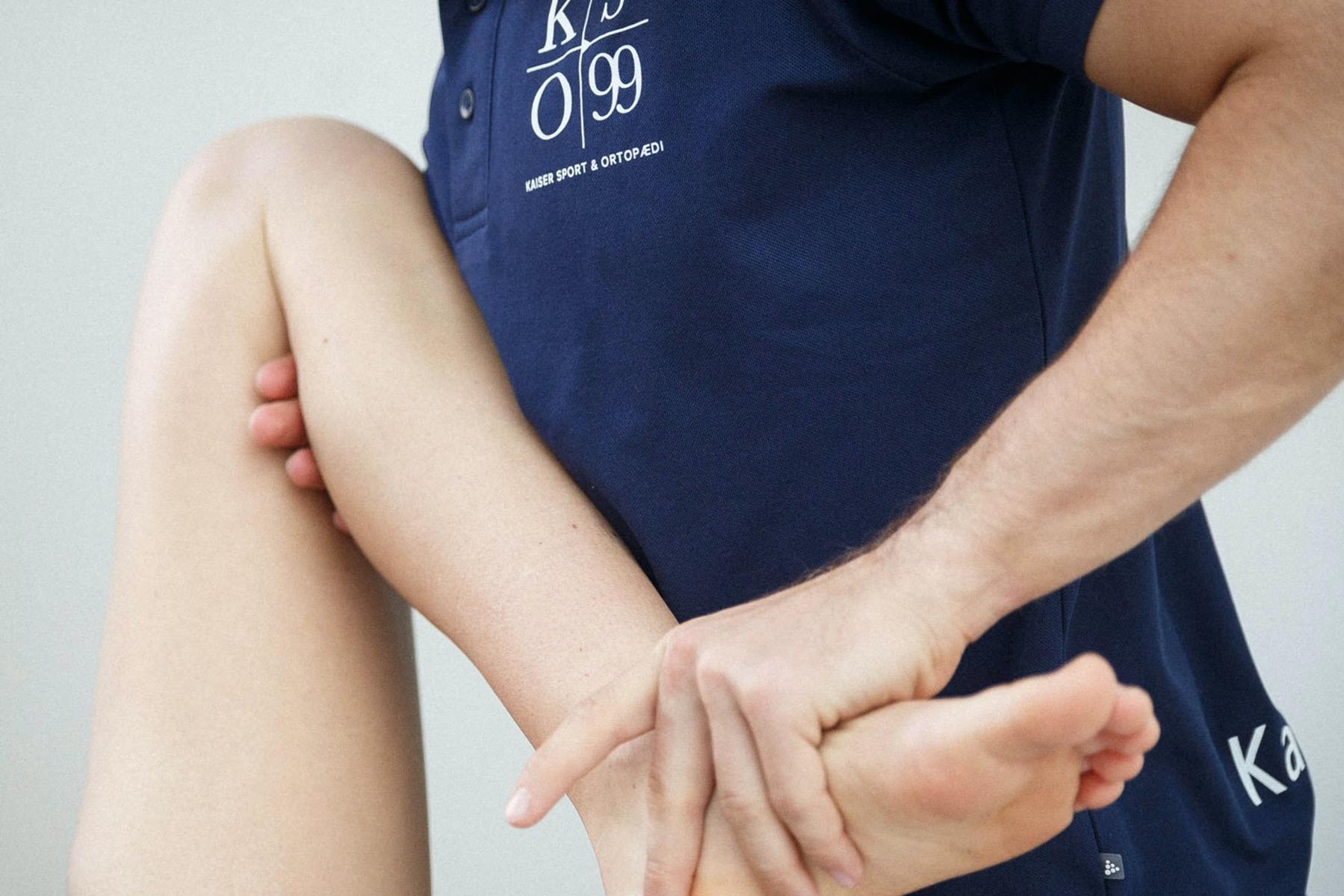 Behandling af skinnebensbetændelse med fysioterapi eller ortopædiske indlæg