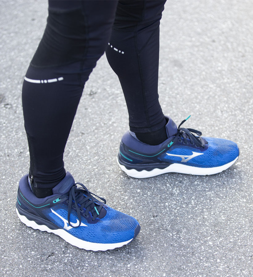 "<a href=""https://kaisersport.dk/search?q=mizuno+wave+skyrise"" style=""color: #fff; font-weight:600;"">MIZUNO WAVE SKYRISE</a>"